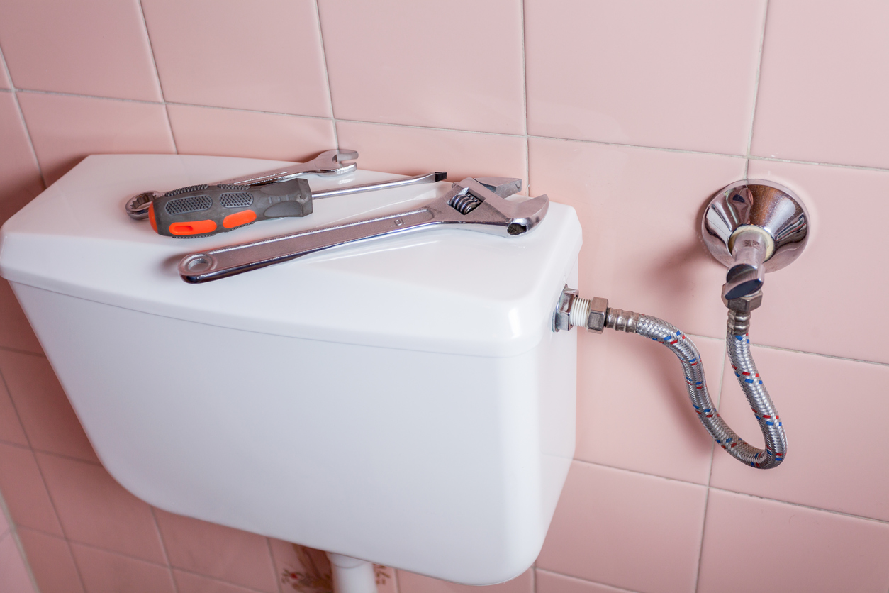 how to fix toilet cistern