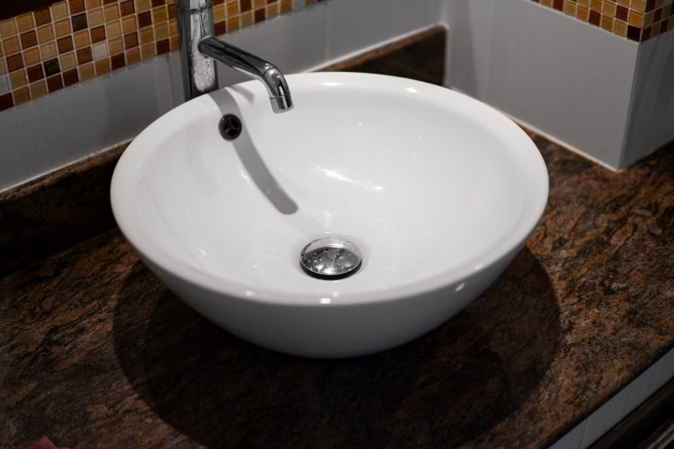 How to Remove a Stopper From a Bathroom Sink